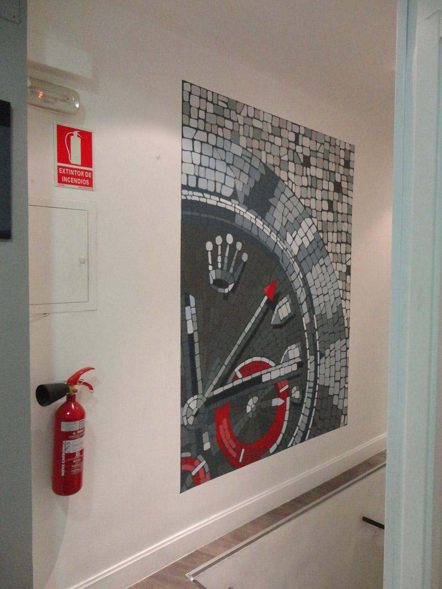 Decopared mural para taller de relojer a for Pintar murales en paredes exteriores