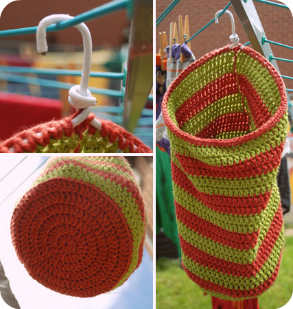 Free Crochet Pattern For Clothespin Bag : Adventures and Happienings: A crocheted peg/clothes pin bag