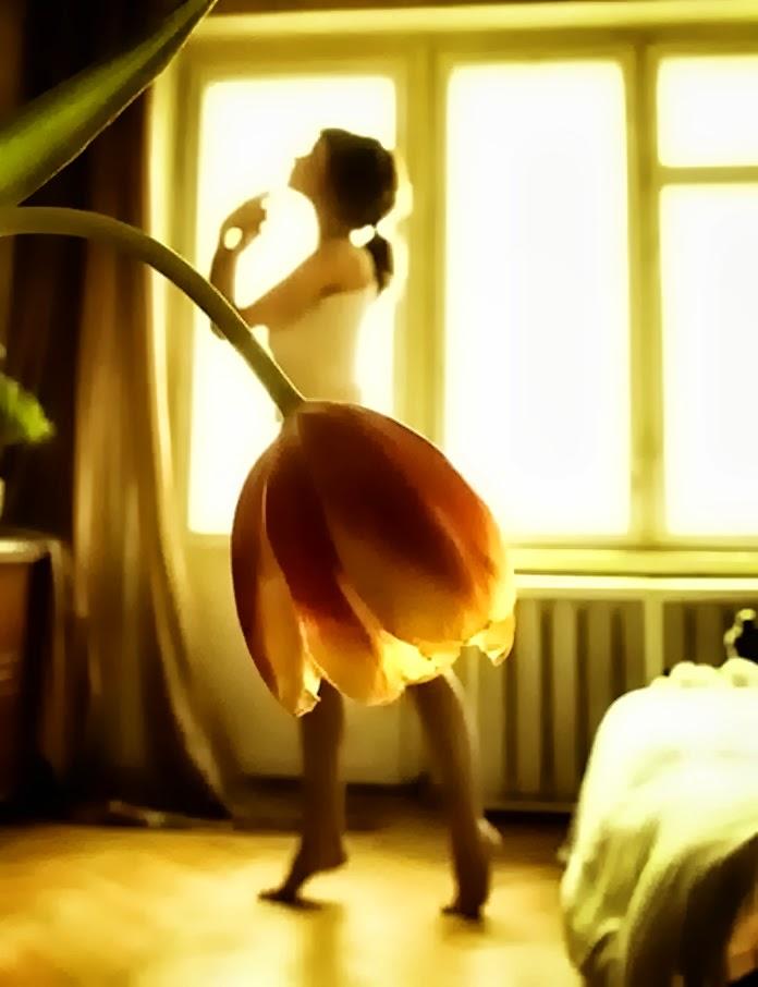 Une belle dame avec une Jupe à fleurs