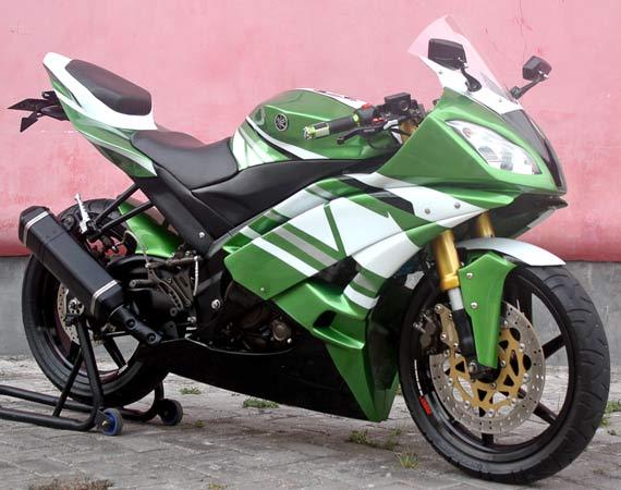 Yamaha V-Ixion '09 : R6 Lokal