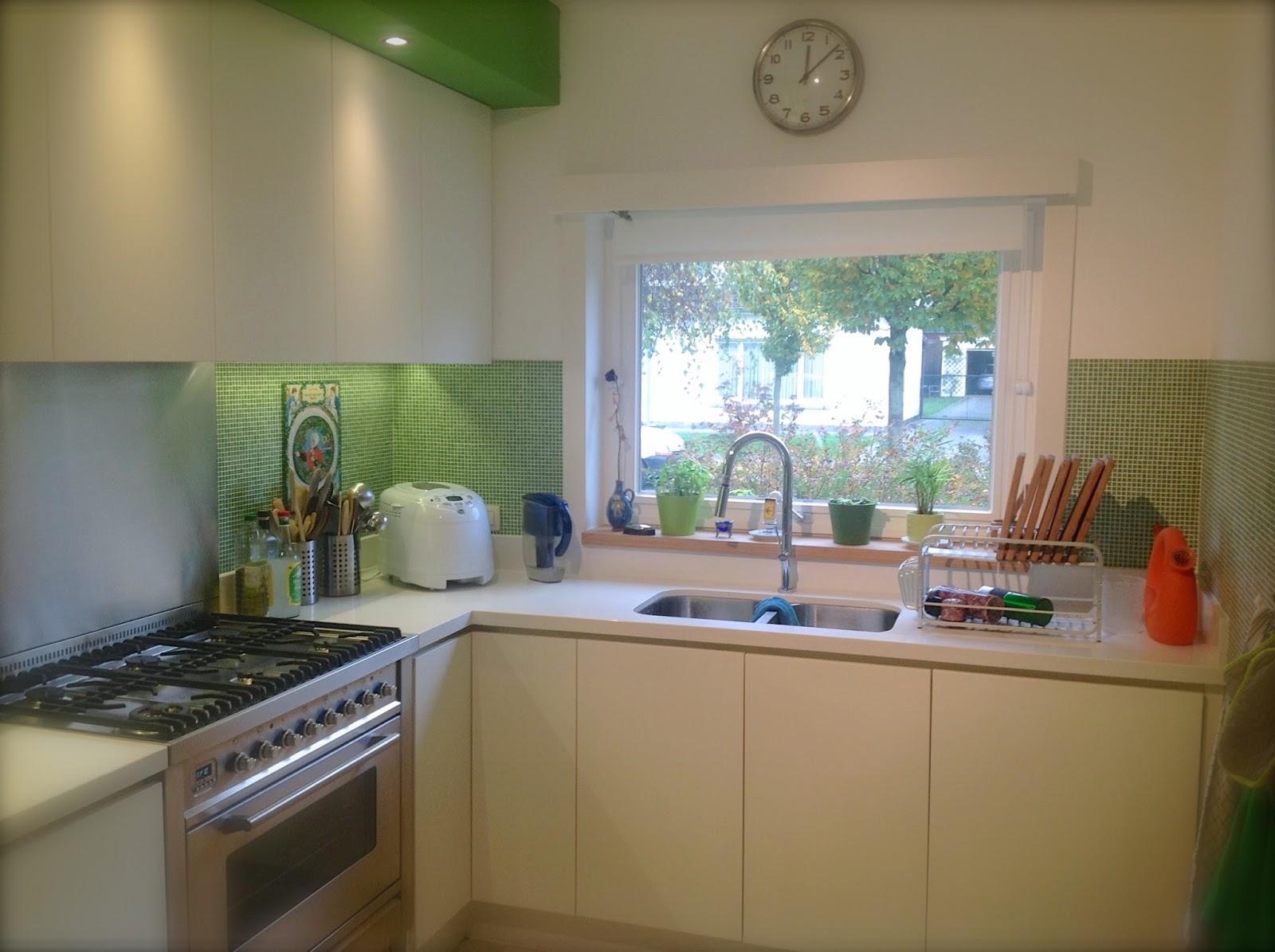 Keuken met schuifdeuren: scheidingswand tussen woonkamer en keuken ...