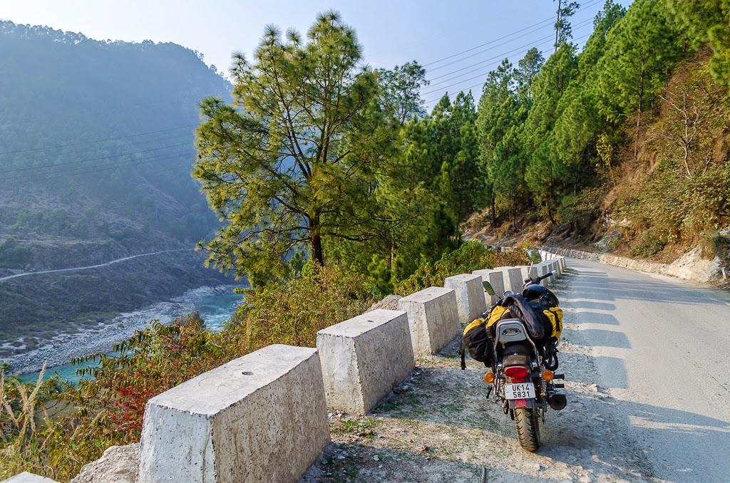 motorcycle in uttarakhand himalayas