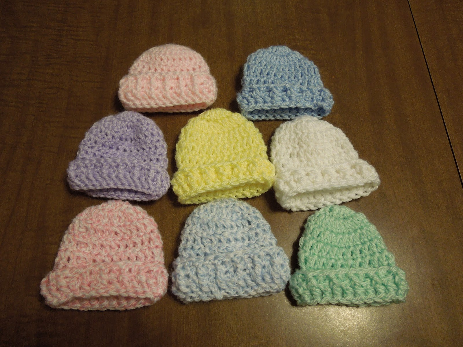 Grandma\'s Promise: Simple Crochet Preemie Hat