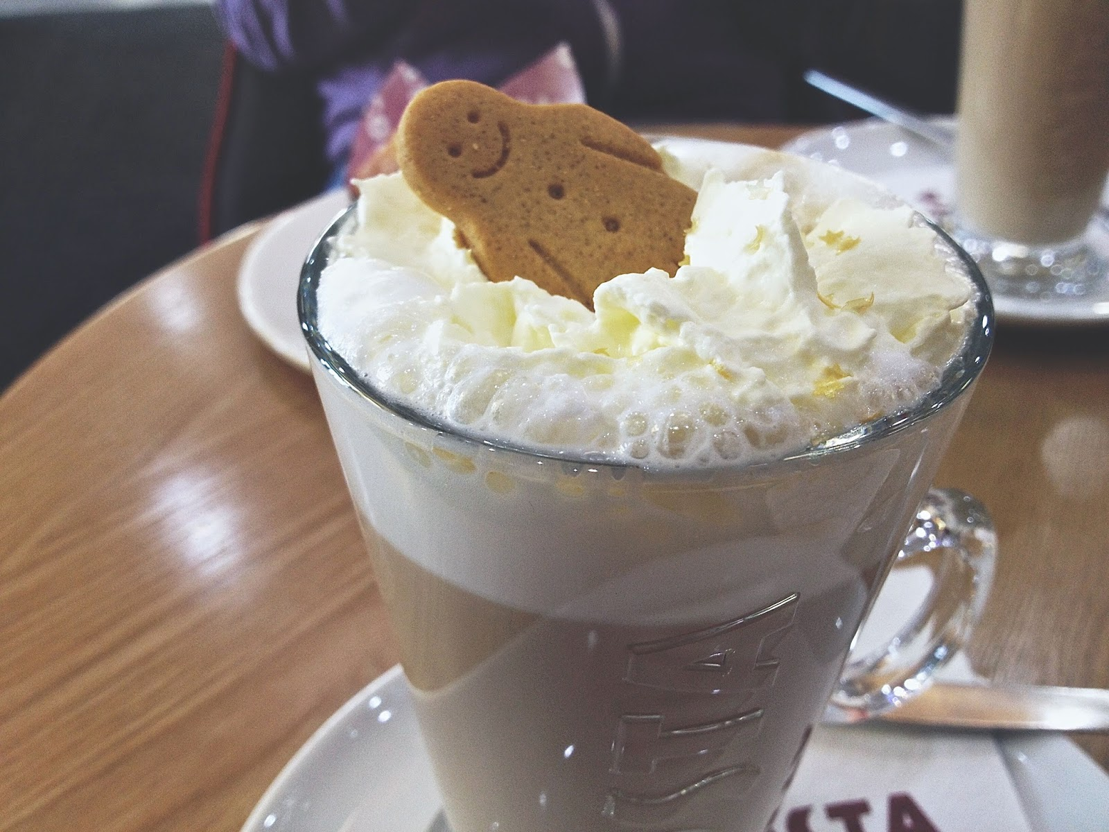 costa gingerbread latte