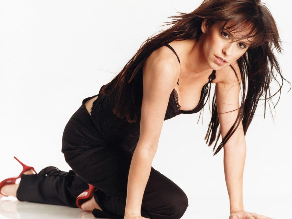 Kelly Broke Wallpapers: Jennifer Love Hewitt Hot Photos