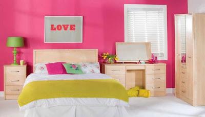 raung kamar tidur perempuan