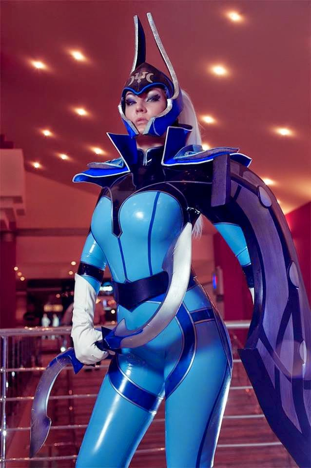 Top sexiest cosplay Dota 2