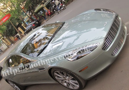Cho thuê xe Aston Martin Rapide 1