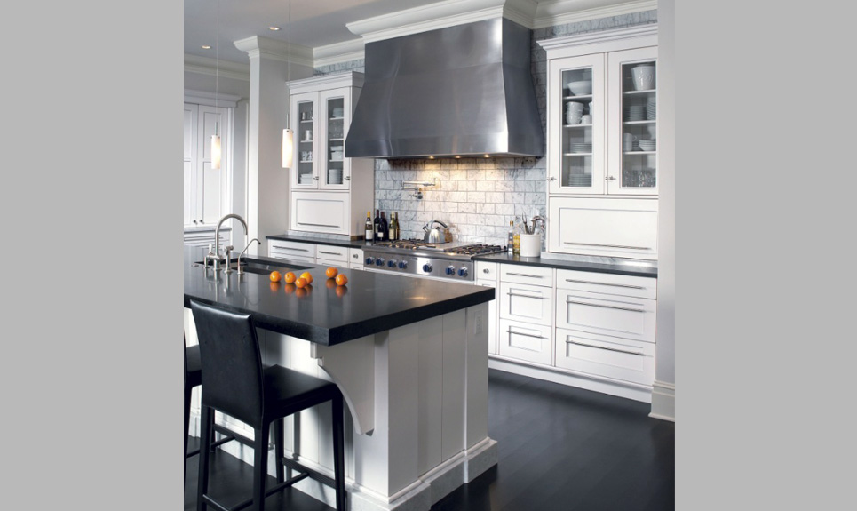 Andrew Williams Designs Classic White Kitchen A Must In Any Showroom