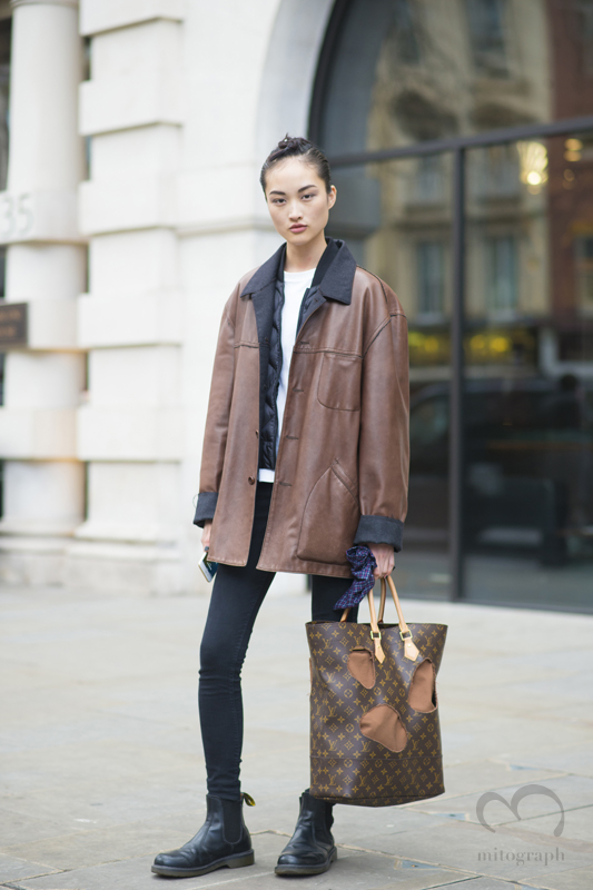 Model Jing Wen at London Fashion Week 2015-2016 Fall Winter LFW