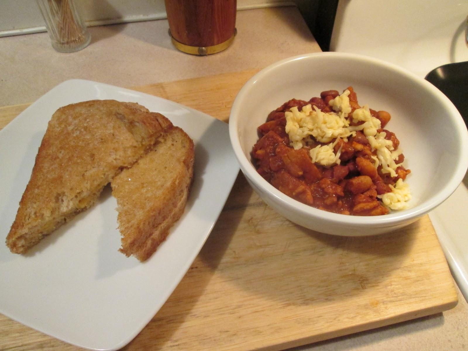 Diab2Cook: 3 Bean Turkey Chili w/ Grilled Cheese Sandwich