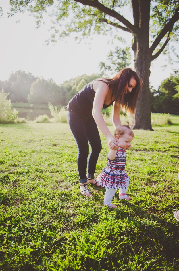 Beautiful modern portraits are captured by Indianapolis family photographer