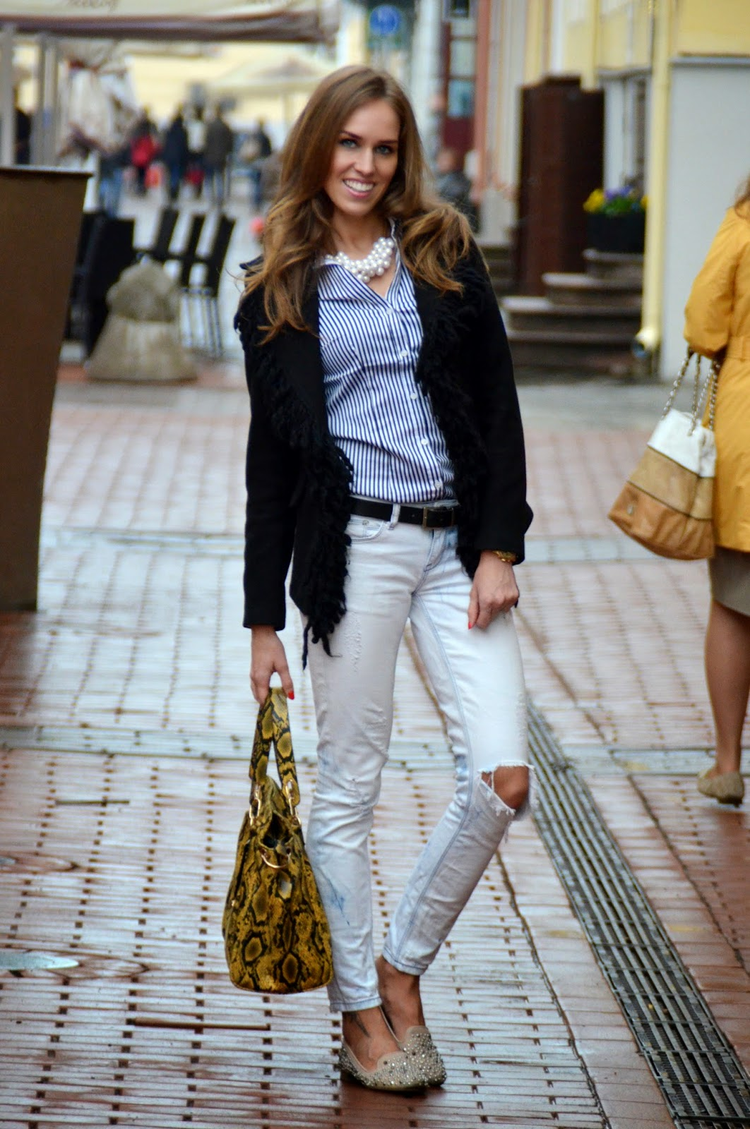 winter-outfit-hm-striped-shirt-gina-tricot-jeans