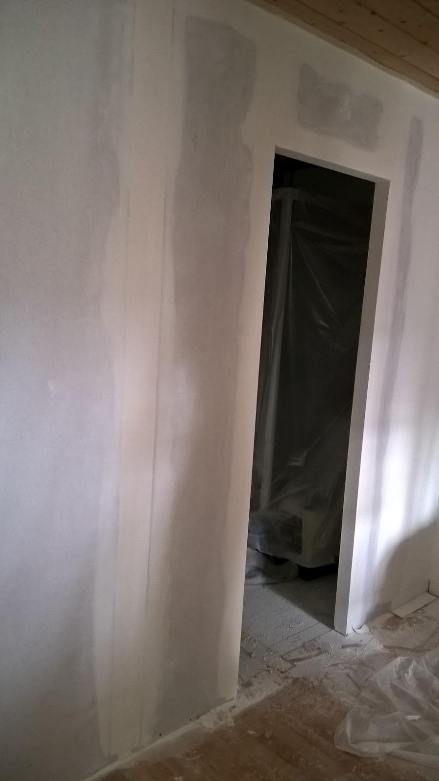 b t s montage cloison sur ossature pour futur sdb isolation 45 mm joint de placo 3 passes. Black Bedroom Furniture Sets. Home Design Ideas