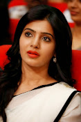 Samantha sizzling in white saree-thumbnail-4