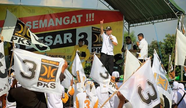 Kampaye PKS, Jokowi Blusukan di Kalteng