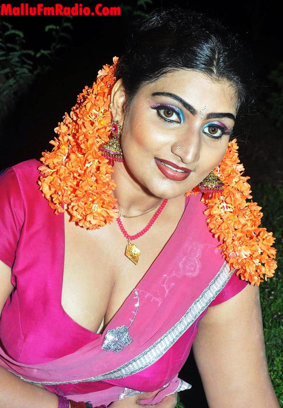 Mallu Super Periya Mulai Aunty Mulai Pic | Search Results | Latest ...