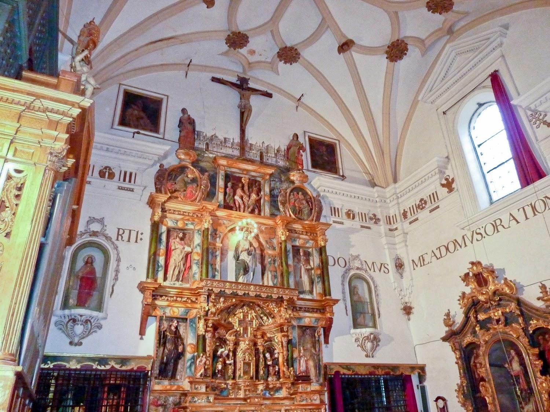 Detalle altar Monasterio de San Clemente en Toledo
