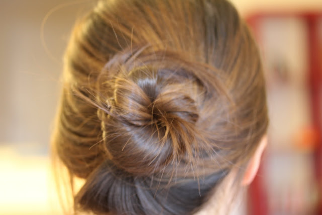 Beauty Scribbler Goody Spin Pin hair bun