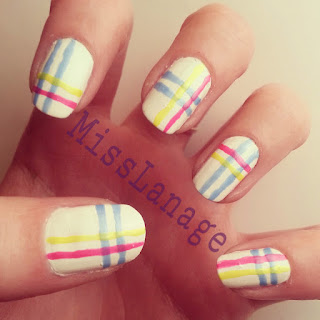 28-day-february-flip-flop-challenge-plaid-manicure