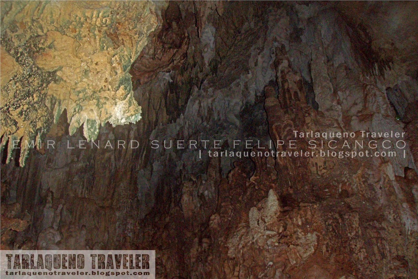 Magkukuob Cave Stalactites