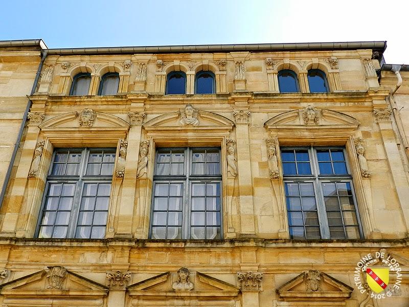 BAR-LE-DUC (55) - Maison des Deux Barbeaux (1618)