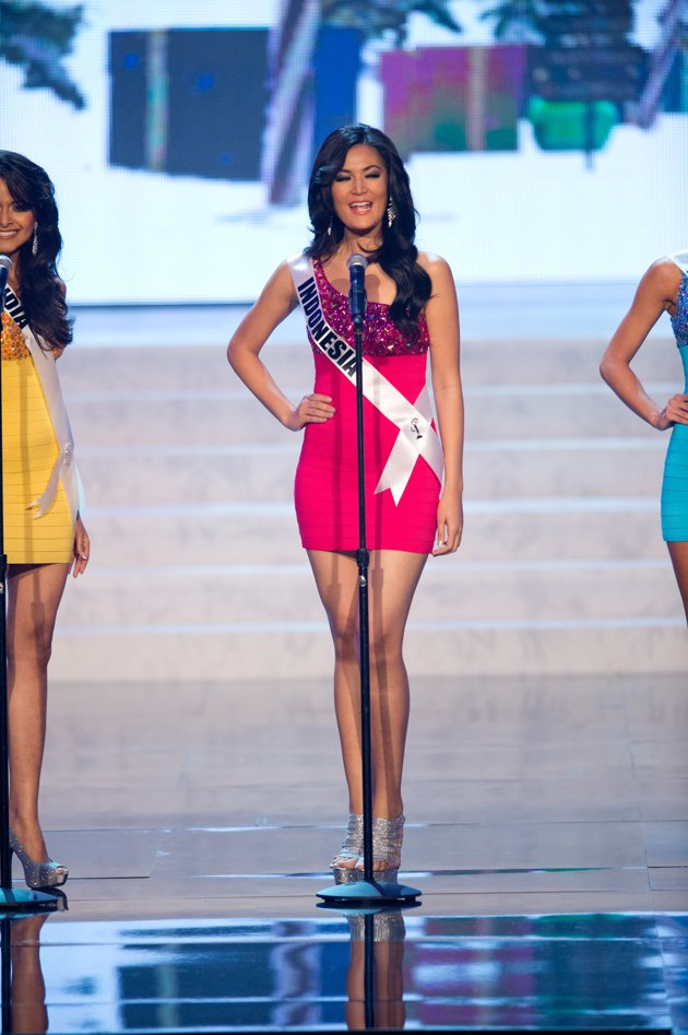 Sexy Girls: Maria Selena (Miss Indonesia) in Miss Universe ...