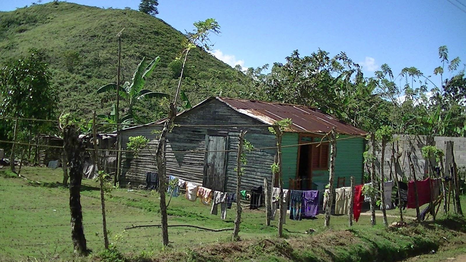 Republica Dominicana Casas Y Conucos De Campo Dominicano