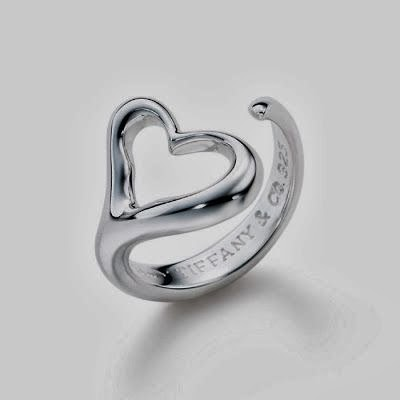 Beautiful Silver Heart Ladies Ring