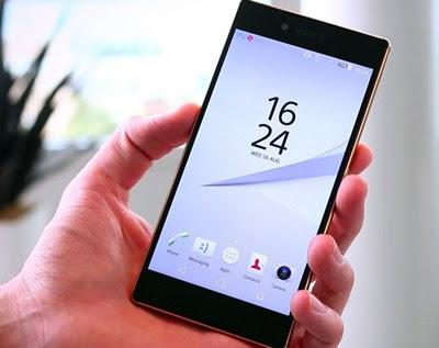 O Sony Xperia Z5 Premium possui tela de 5,5 polegadas e 3840 x 2160 pixels, o que resulta em uma densidade de pixels de 806 ppi possui tela de 5,5 polegadas e 3840 x 2160 pixels, o que resulta em uma densidade de pixels de 806 ppi