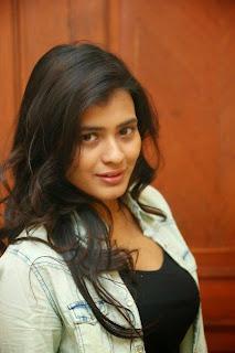 Hebah Patel has got a very sexy seductive face wow just beautiful gujarati girl actress
