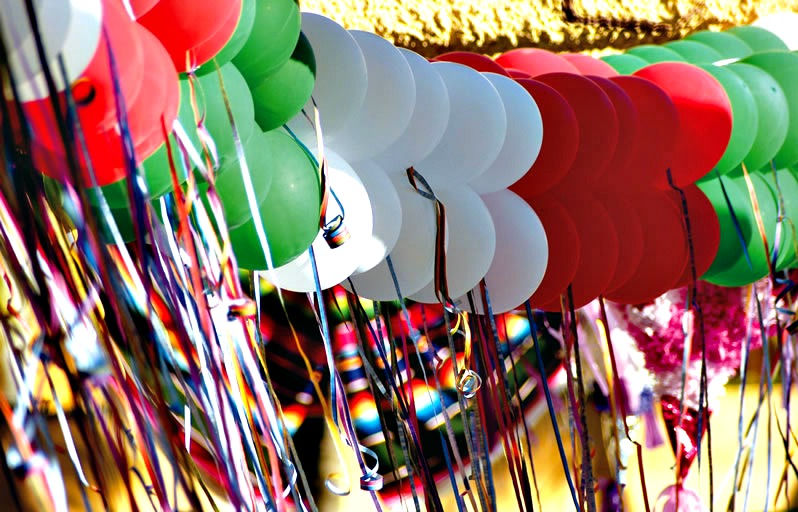 Decoraci n con globos fiestas patrias for Decoracion kermes mexicana