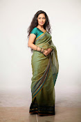 Avika Gor Glamorous photos in saree-thumbnail-6
