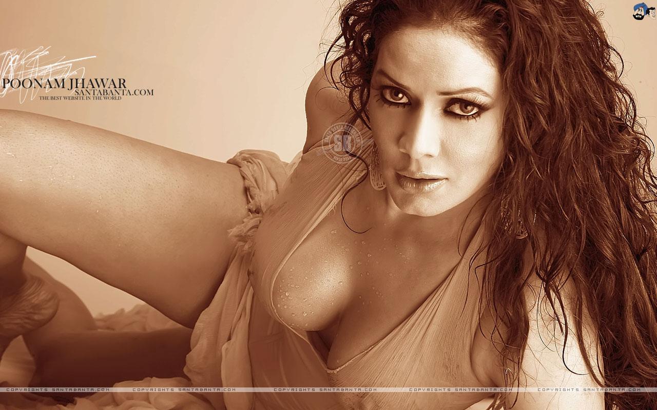 OMG!! Poonam Pandey Nude Leaked Pics