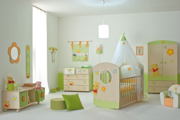 Decorating ideas for baby nursery for Baby mural ideas