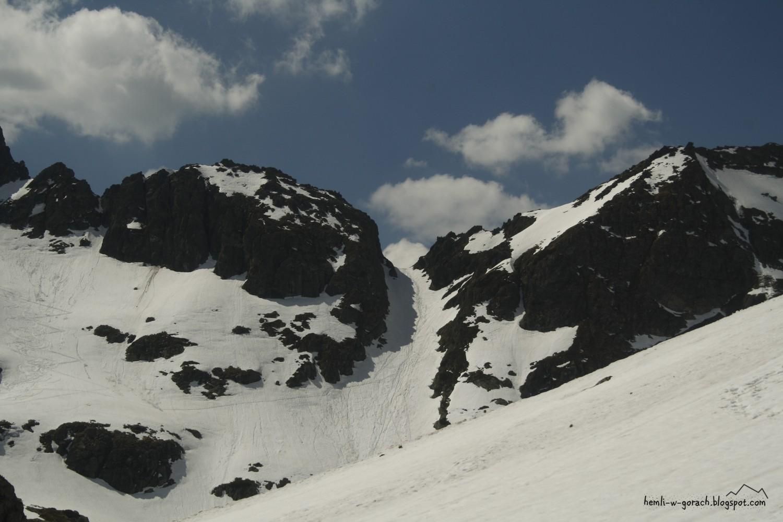 Wrota Chałubińskiego z podejścia na Szpiglasową Przełęcz (z Ceprostrady)