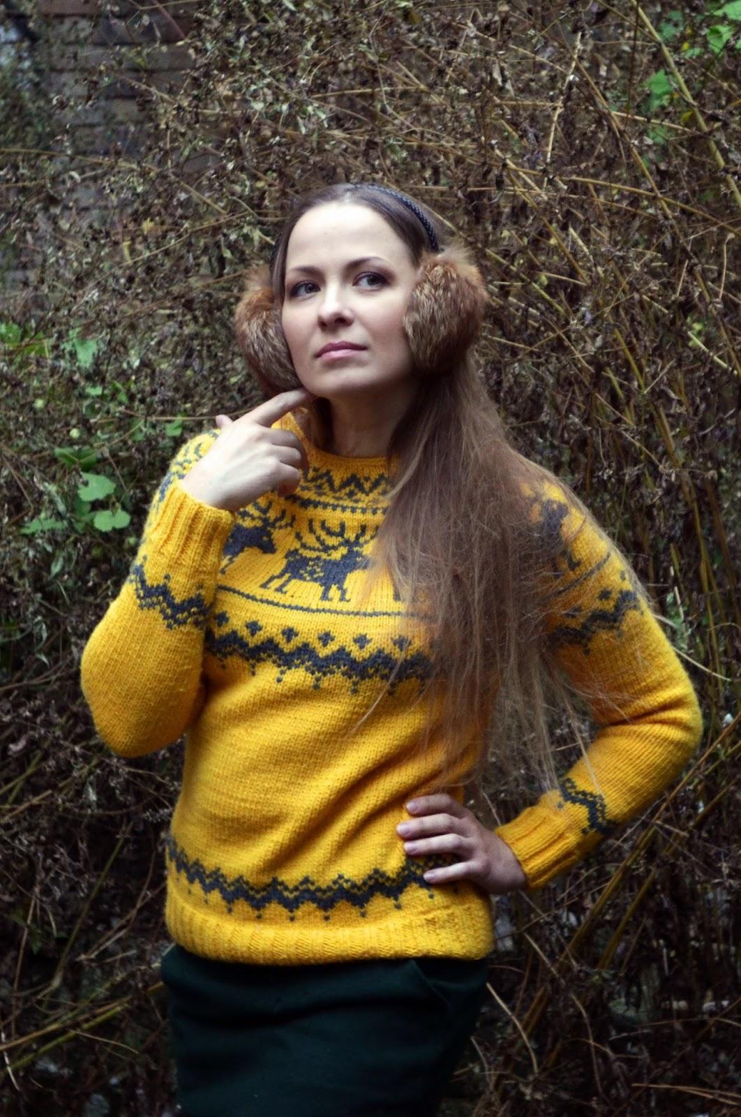 свитер с оленями, новый год, свитер, вязаный свитер, желтый, олень