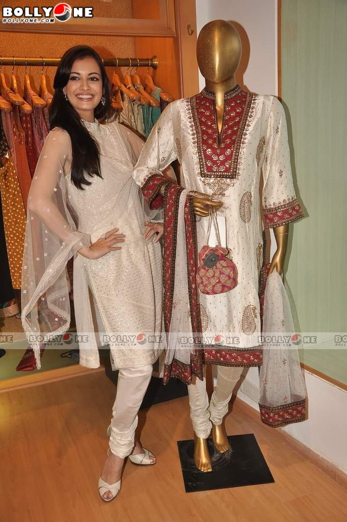 Dia Mirza at Ritu Kumar store