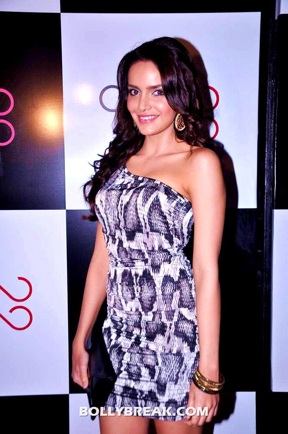 Shazahn Padamsee in an off shoulder black n white dress - Sonam kapoor, shazahn padamsee and other celebs at Ave 29 gallery opening