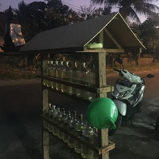 Singapadu. Bali. Gasolinera.