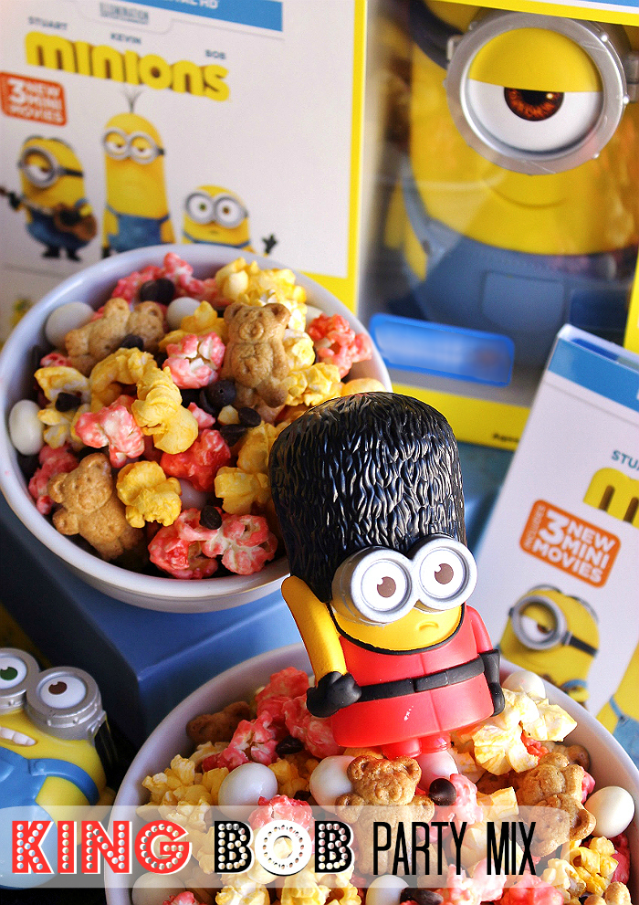 King Bob Snack Mix: Colored Kettle Corn, Buttery Popcorn, Yogurt Covered Raisins, Mini Chocolate Chips, and teddy bear graham cookies. #MinionsMovieNight (Ad)