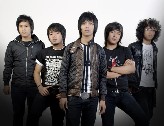 D'Massiv-Natural-Download Lagu MP3-Lirik