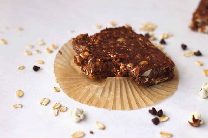 Healthy Peanut Butter Chocolate Popcorn Fudge - Desserts with Benefits