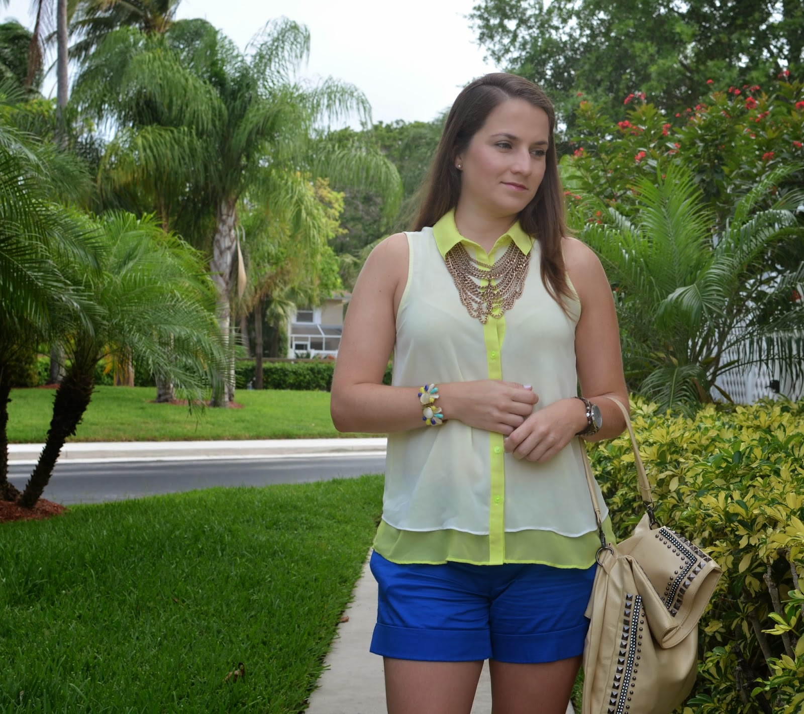 neon top - blue shorts - espadrilles - #Emma & Sophia - statement necklace