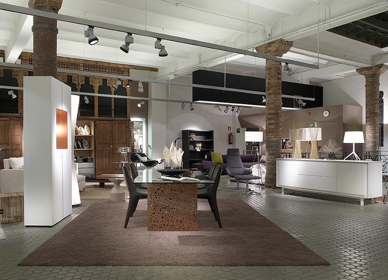 Cubi mobiliario e iluminaci n contempor neos en una - Cubina barcelona ...