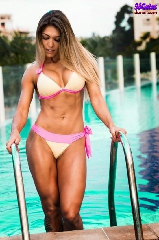 Muri Rodrigues na piscina
