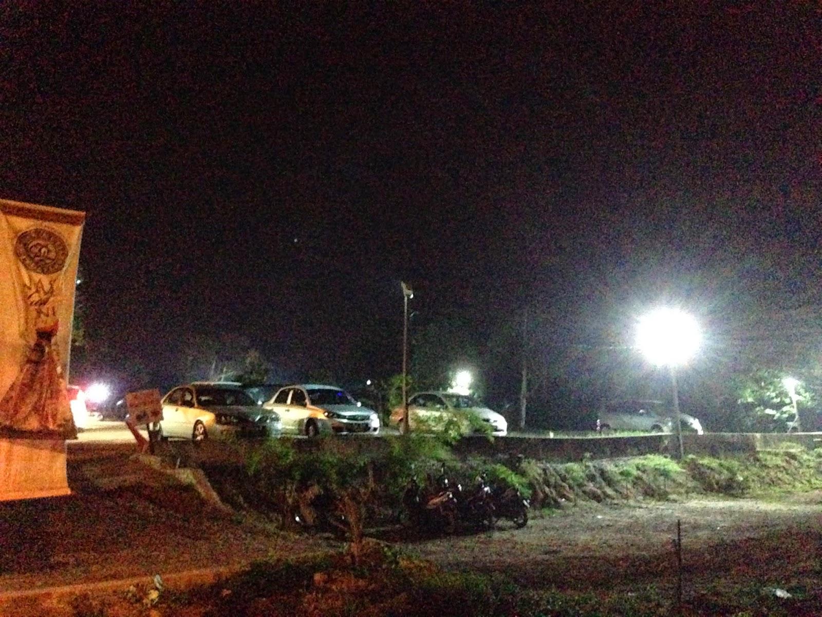 Puncak Mutiara Cafe parking area