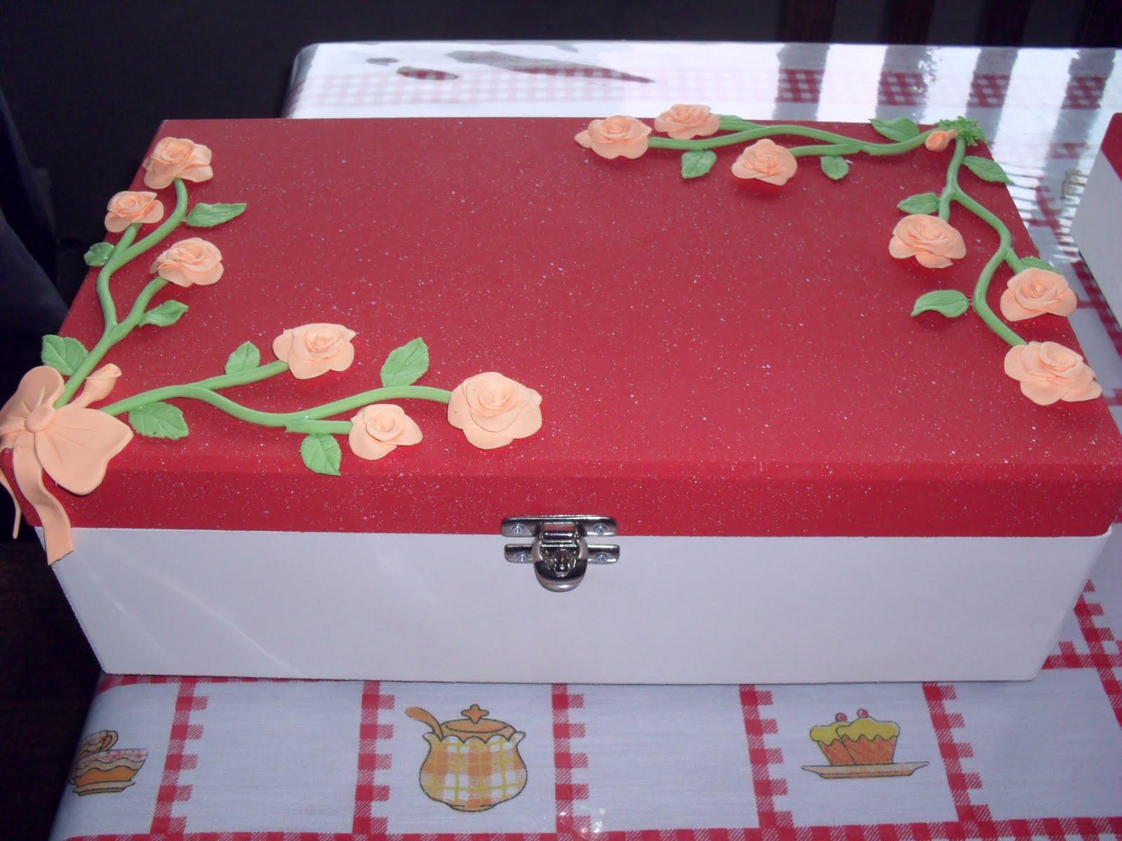 Découpage e Patchwork em MDF: Caixas de Vinho decoradas com Biscuit #A14D2A 1600x1200
