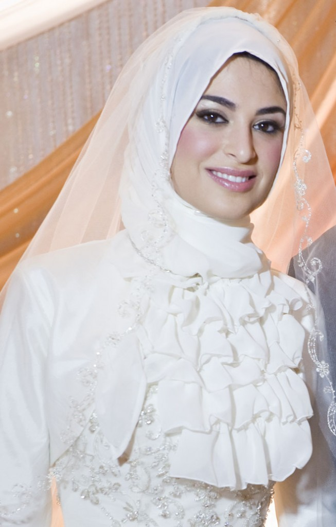 Muslim Wedding Dresses For Bride In : New islamic dresses wedding with hijab