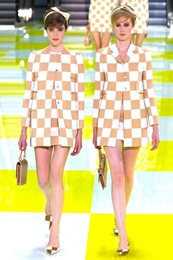 louis-vuitton-dama-desenli-defile